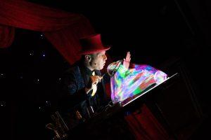 Read more about the article Spectacle de Allan Hart – La magie des bulles !